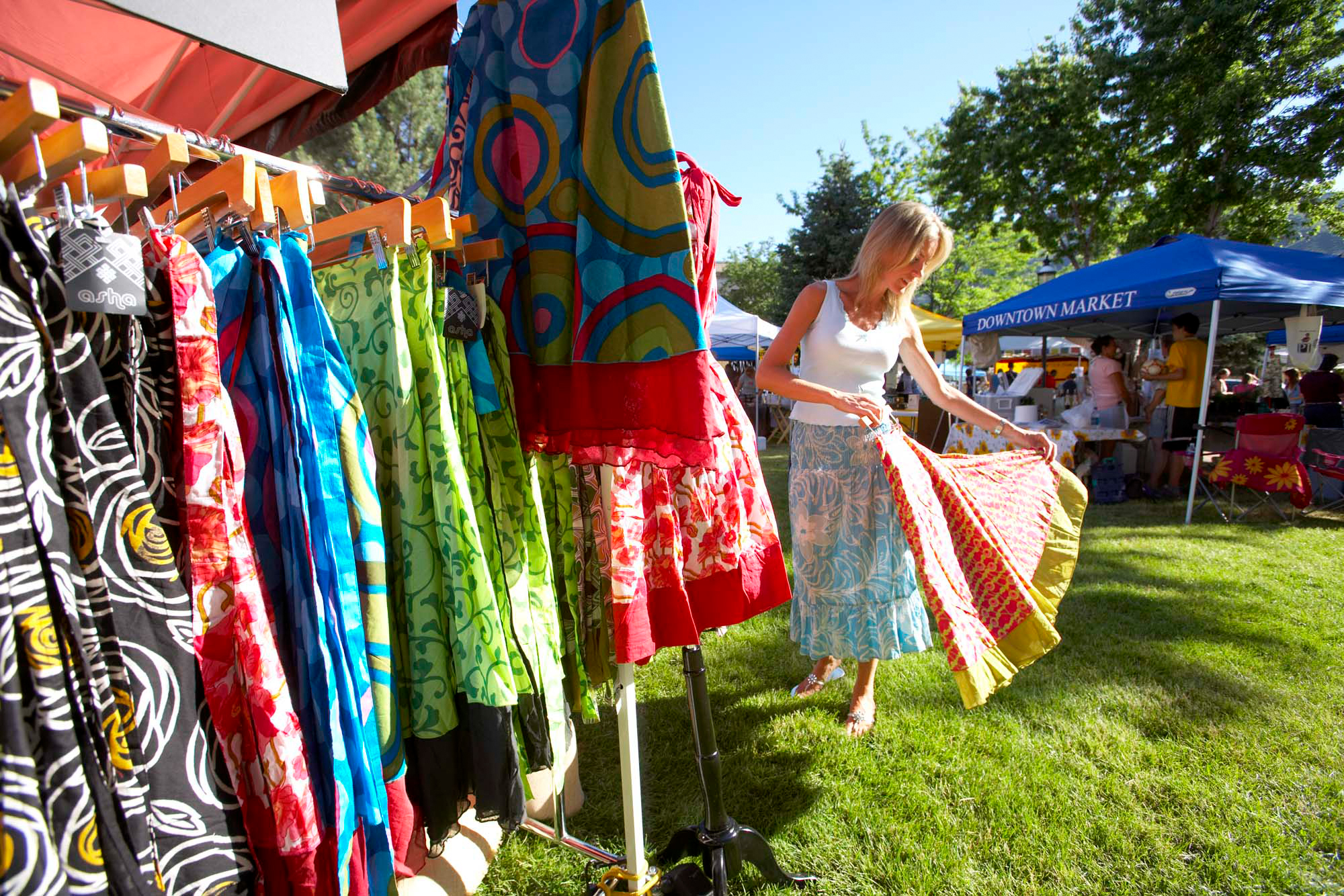 Shopping at the Glenwood Springs Downtown Market